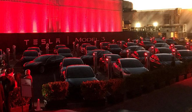 Tesla Fires Hundreds in One Go Over Poor Performance-Startagist