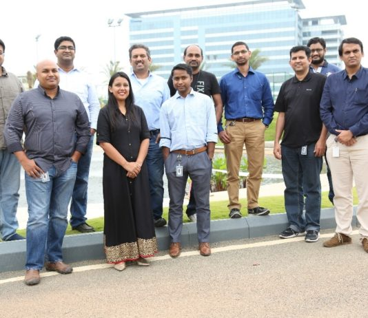 The NetApp Excellerator team with startups from the first cohort